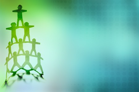 piramide humana: Pir�mide de equipo humano sobre fondo de color Foto de archivo