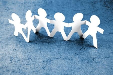 amistad: Grupo de personas tomados de la mano
