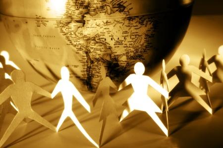 manos unidas: Paperchain y el mundo Foto de archivo