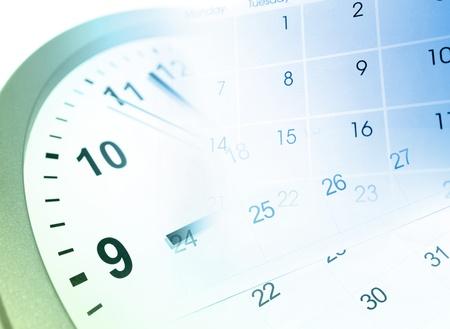 schedules: Reloj de la cara y el compuesto del calendario Foto de archivo