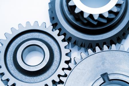 gears: Close-up van drie metalen tandwielen Stockfoto