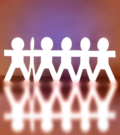 la union hace la fuerza: Grupo de personas de la mano