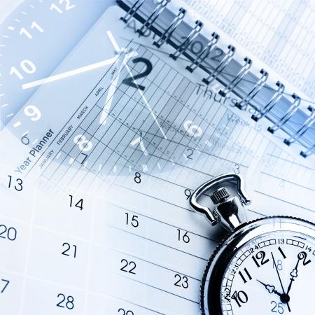 kalender: Uhren, Kalender und Tagebuch-Seiten