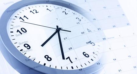 emploi du temps: Cadran de l'horloge et de calendrier la page