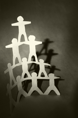 pyramide humaine: Concept de soutien de l'�quipe, pyramide humaine