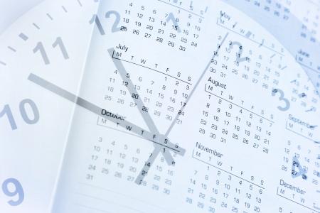 composite: Reloj de la cara y el compuesto del calendario Foto de archivo
