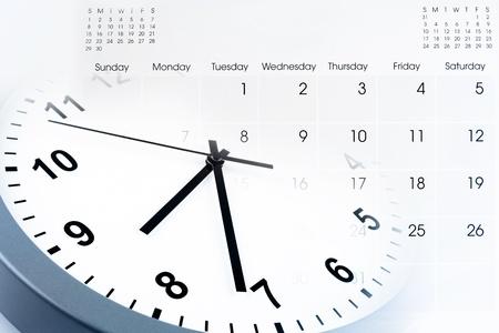 Face ? l'horloge et le calendrier composite