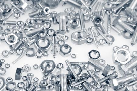 Chrome Schrauben und Muttern closeup