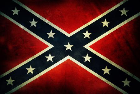 汚れた南軍の旗のクローズ アップ