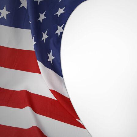 bandera estados unidos: Primer plano de la bandera americana en el fondo llano