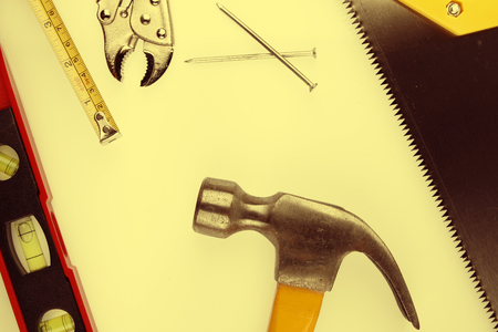 work tools: Primer plano de una variedad de herramientas de trabajo