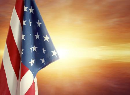 american flags: Bandera americana y cielo brillante