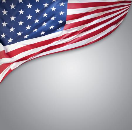 banderas americanas: Bandera americana en el fondo gris Foto de archivo
