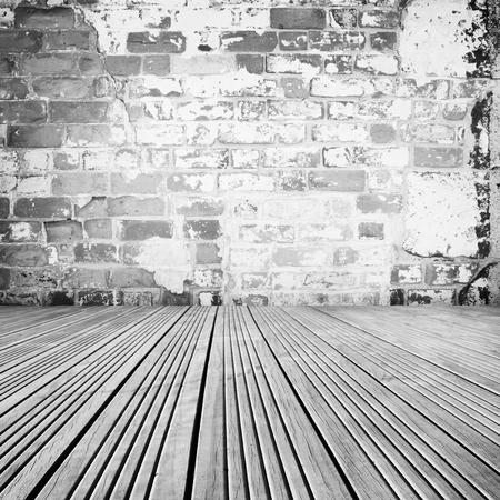 floorboards: Suelos de madera y pared de ladrillo