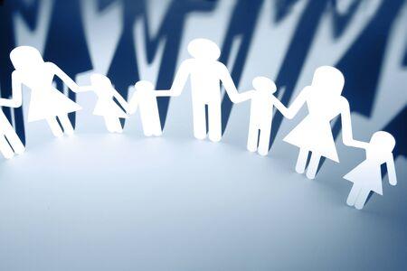 h�ndchen halten: Kette-Leute Papier holding hands Lizenzfreie Bilder