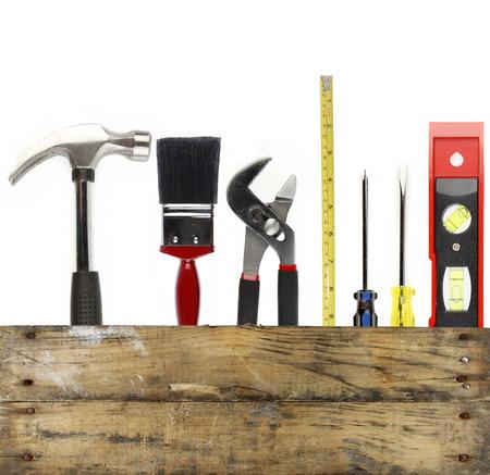 work tools: Diversas herramientas de trabajo y la madera