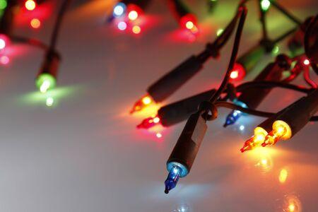 Światła: Zbliżenie z lampek choinkowych świecące