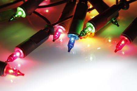 licht: Nahaufnahme der Weihnachtsbeleuchtung glühenden