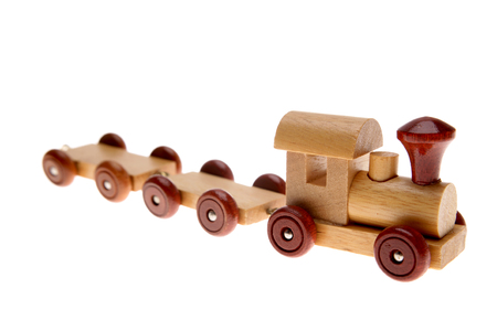 juguete: Tren de juguete en el fondo plano Foto de archivo
