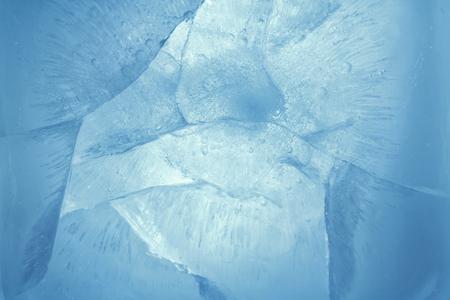 青い氷の背景のクローズ アップ