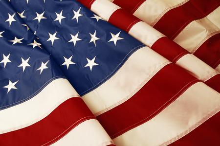 Gros plan du drapeau américain ondulée