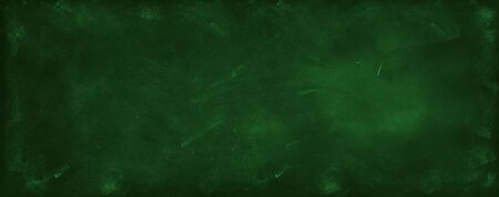 Chalk rubbed out on green chalkboard background 写真素材 - 131816366