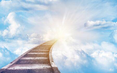 Trap in de aanloop naar de hemel. Trap naar de hemel Stockfoto