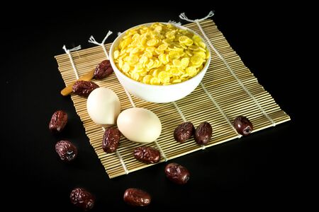 cornflakes: cornflakes, egg and red dates