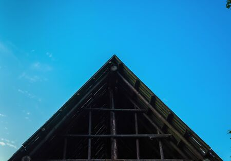 joists: wood sky house architecture old