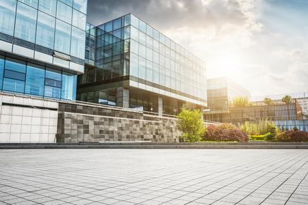 Großes modernes Bürogebäude