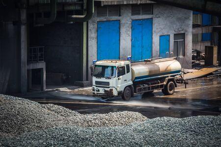 carbondioxide: Quarry truck