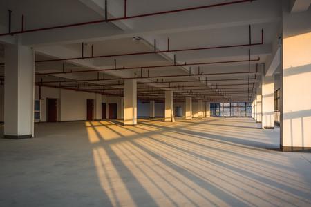 Empty room in a building Standard-Bild - 129426167