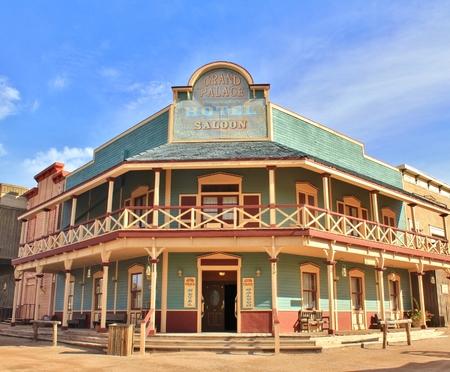 Old Western Town Hôtel et Saloon Banque d'images - 52708840