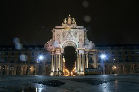 do: Rua Augusta Arch of Pra�a do Com�rcio (commerce square) in the capital of Portugal - Lisbon (Lisboa)