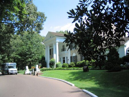 tennessee: autob�s a Graceland
