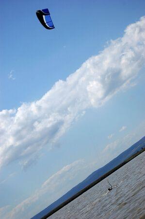 kiting: Kiting on the lake.