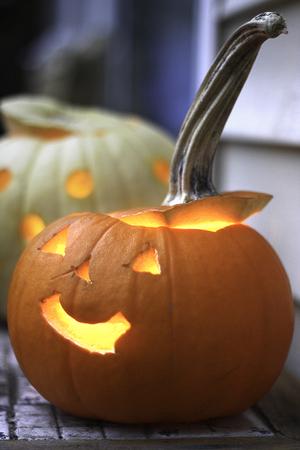 jack'o'lantern: Halloween jack-o-lantern glowing