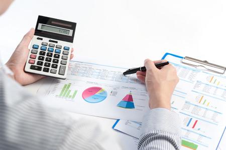 Zakenman analyseren rapport, business performance-concept