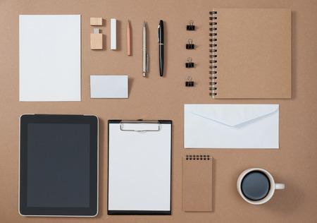 Maquette modèle d'outils fixes et électroniques dans la vie quotidienne