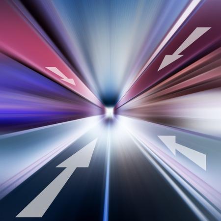 flechas direccion: Imagen conceptual de la radial asfalto y dirección de la flecha
