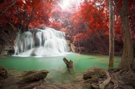 Deep forest waterfall in autumn scene at Huay Mae Kamin waterfall National Park Kanchanaburi Thailand 스톡 콘텐츠 - 108255471