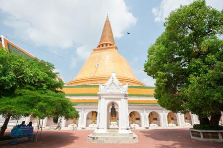 respecting: The first pagoda, Phra Pathom Jedi in Nakronpathom, Thailand Stock Photo