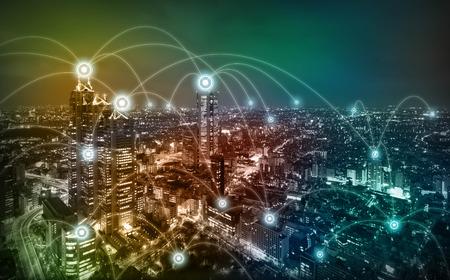 近代的な都市のジオラマと無線センサー ネットワーク、情報通信技術の概念 写真素材