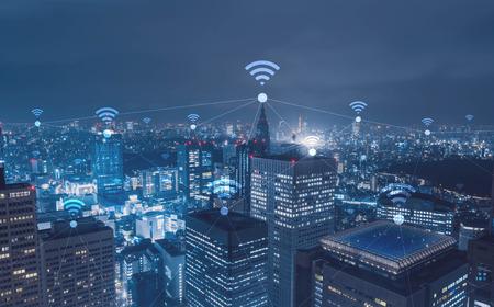 Cityscape met wi-fi verbinding conceptueel, informatie communicatie technologie concept Stockfoto