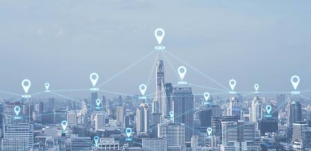 ピン記号、技術コンセプト、概念モ ノのインターネットと都市景観連結線のハイテク ブルートーン