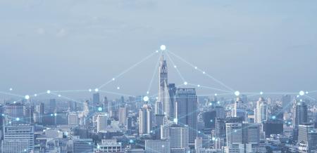 Tono blu di alta tecnologia della linea conneted paesaggio urbano, concetto di tecnologia, internet delle cose concettuali Archivio Fotografico - 66661988