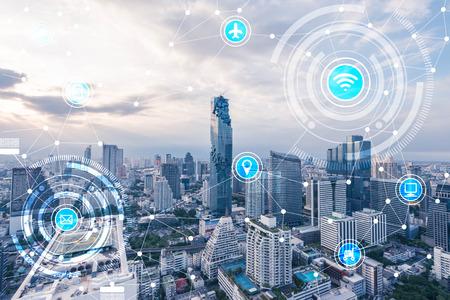 Ikonen von WLAN, Internet, Kommunikation, Reisen, Computer und Arten von Technologie für Smart City konzeptionell Standard-Bild