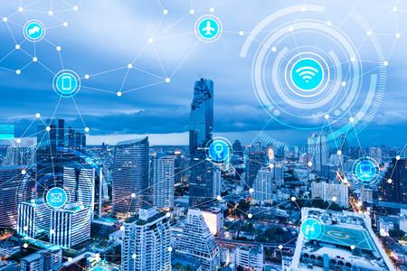 Ville intelligente et d'un réseau de communication sans fil, IdO (Internet des objets), l'ère de l'Internet, Internet de toutes les choses, Internet dans toutes les vies de jour Banque d'images - 66661797