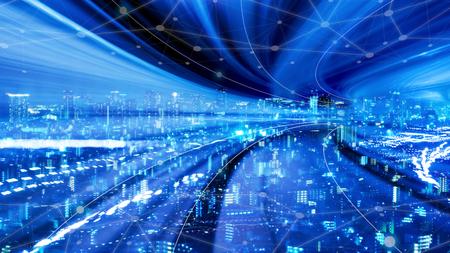 Paesaggio urbano con tecnologia a punti di connessione della città intelligente concettuale, velocità di trasferimento dati veloce su Internet di prossima generazione