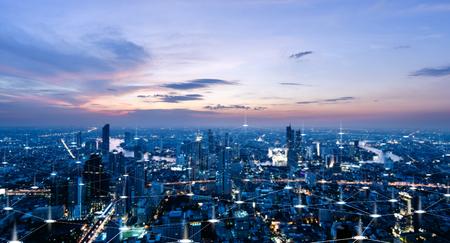 high-tech toon van stad en verbindingslijn voor slimme stad conceptueel